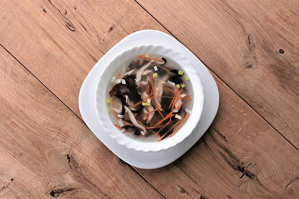 vistienos sriuba su grybais