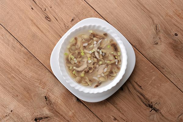 vistienos sriuba su pievagrybaisi